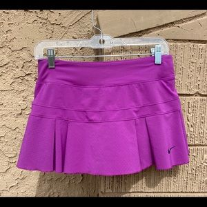 Women's golf skirt with (built in) shorts